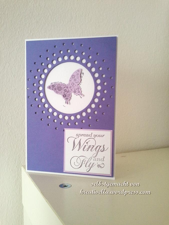 Karte mit Large circle burst von memory box und Schmetterling aus Papillon Potpurri ausgeschnitten mit der Handstanze Eleganter Schmetterling
