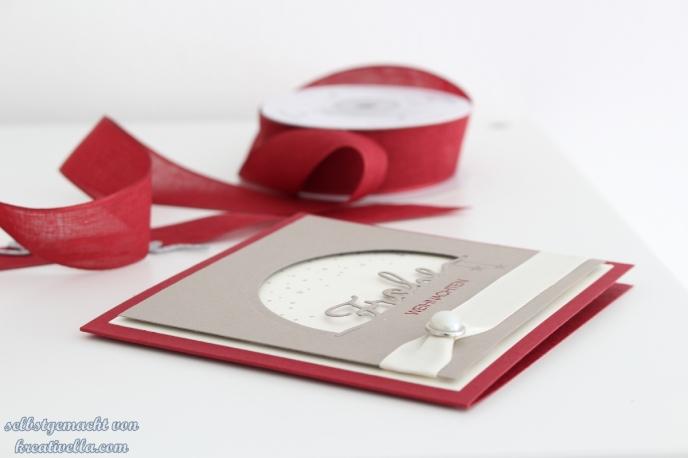 Weihnachtskarte Blog Hop Stampin Up Thinlits Winterliche Worte Weihnachtliche Worte klassische Farben Cut the half technique